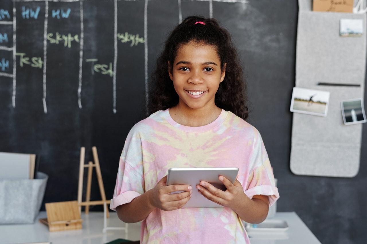 Dia das Crianças e Dia Nacional da Leitura tecnologia para educar e entreter
